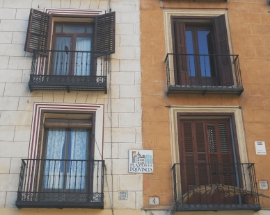 Madrid windows and signs