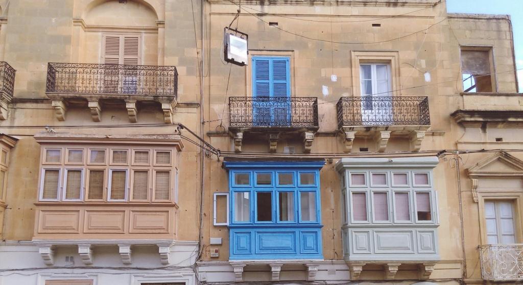 gozo balconies