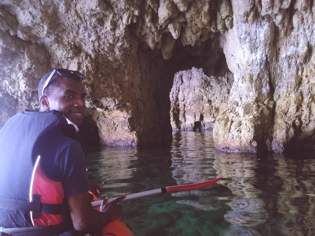 kayaks & caves